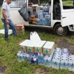 São José do Vale do Rio Preto: entrega de água e alimentos não perecíveis comprados pelo Move Rio, 20 de janeiro de 2011