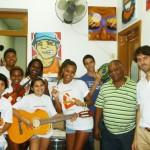 Entrega dos instrumentos comprados e doados pelo Move Rio, outubro de 2011