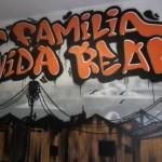 Grafite na entrada do Instituto: aqui é tudo em família!