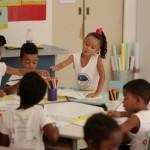 Aula de artes no Espaço Educacional Cantinho Feliz, 20 de junho de 2012