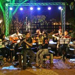 Alunos da oficina de música do Instituto Vida Real tocaram repertório de Bossa Nova na abertura do evento